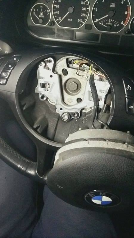 Demontaż kierownicy BMW E46 jak to zrobić poradnik-2